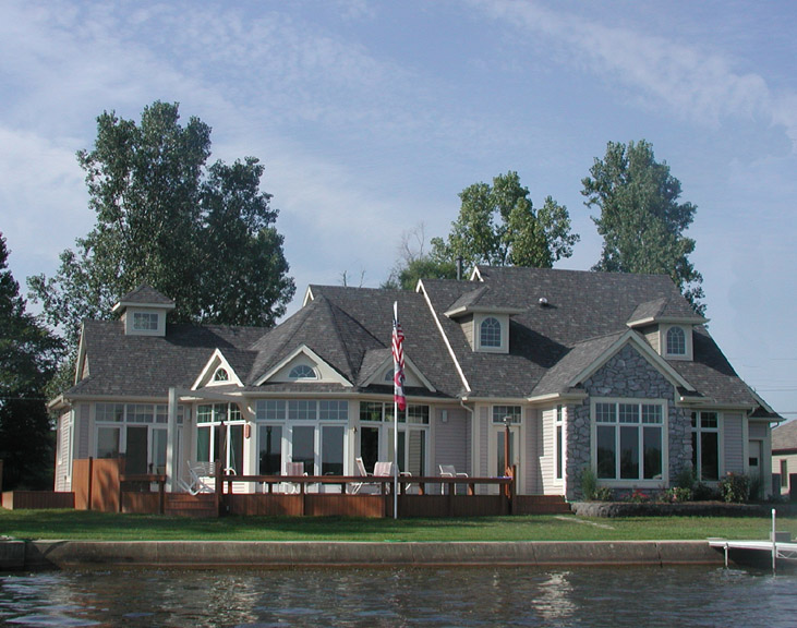 Lake cottage design and build on Clear Lake